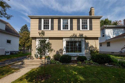 Photo of 1018 E Colfax Pl, Whitefish Bay, WI 53217 (MLS # 1711090)