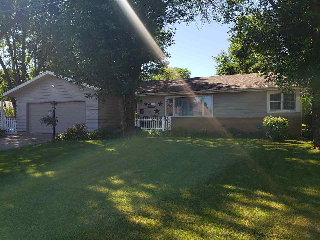 304 E Slifer St, Portage, WI 53901 - MLS#: 1887090