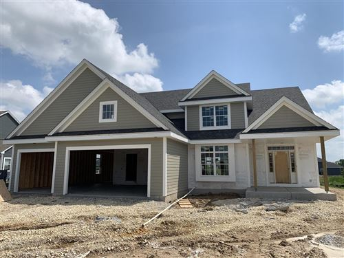 Photo of 8011 W Highlander Dr, Mequon, WI 53097 (MLS # 1667093)