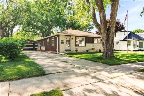 Photo of 2422 Harrison Pl, South Milwaukee, WI 53172 (MLS # 1696093)