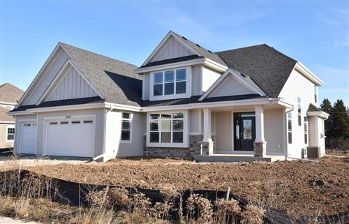 Photo of 10900 N Highlander Dr, Mequon, WI 53097 (MLS # 1667095)