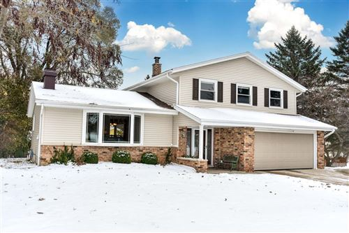 Photo of W69N528 Juniper Ln, Cedarburg, WI 53012 (MLS # 1663098)