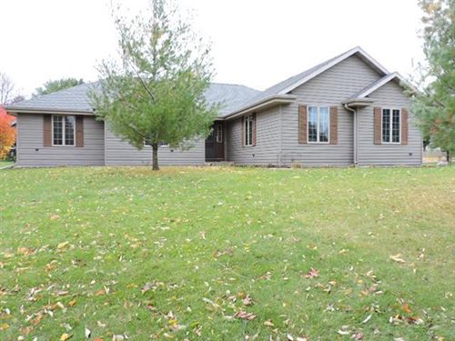 Photo of 1013 Apache Ct, Fort Atkinson, WI 53538 (MLS # 1665098)