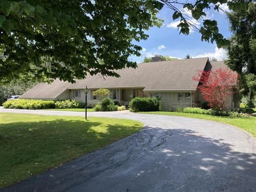 Photo of 1421 W Spruce #Ct, River Hills, WI 53217 (MLS # 1700103)