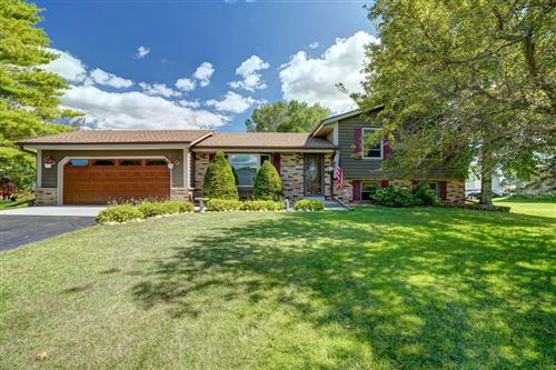 Photo of 6905 Johnson Ct, Waterford, WI 53185 (MLS # 1705106)