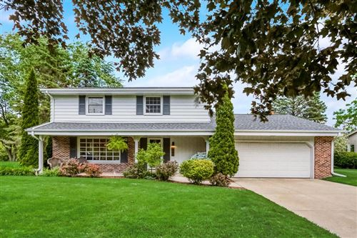Photo of 764 Grand Ave, Thiensville, WI 53092 (MLS # 1695107)