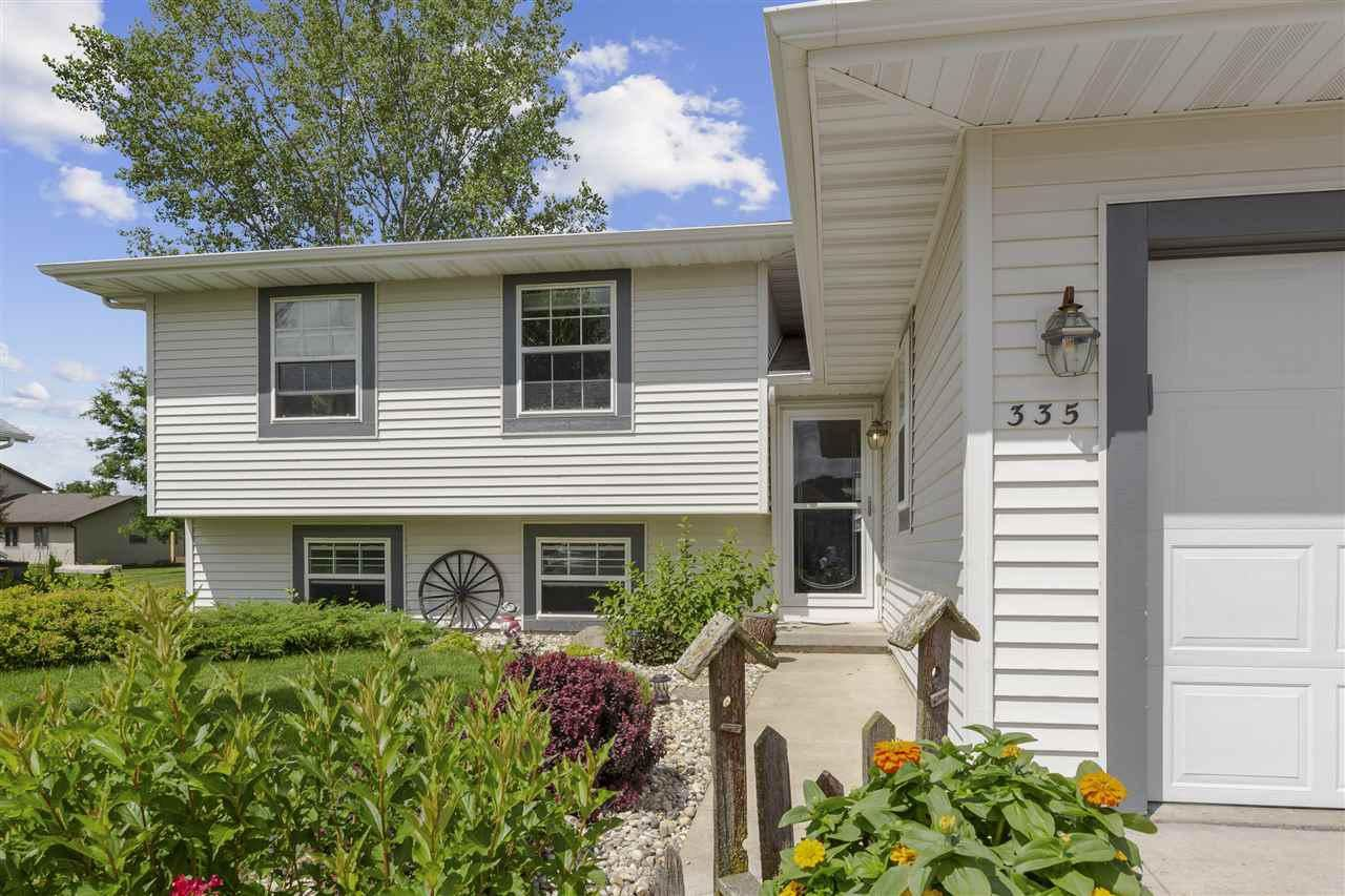 335 Sugar Ave, Belleville, WI 53508 - MLS#: 1889108