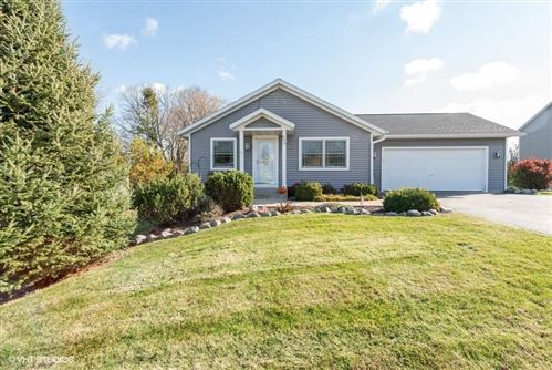 Photo of 636 Outlook Dr, Twin Lakes, WI 53181 (MLS # 1717114)