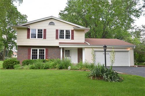 Photo of 422 Woodhaven Dr, Cedarburg, WI 53012 (MLS # 1750115)