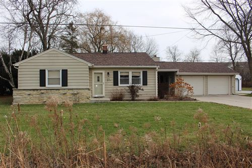Photo of S76W19221 Sunset Dr, Muskego, WI 53150 (MLS # 1669116)