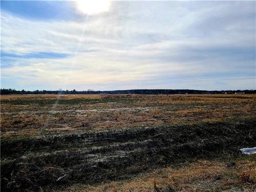 Photo of 2045 YUMA CT, GRAFTON, WI 53024 (MLS # 1552117)