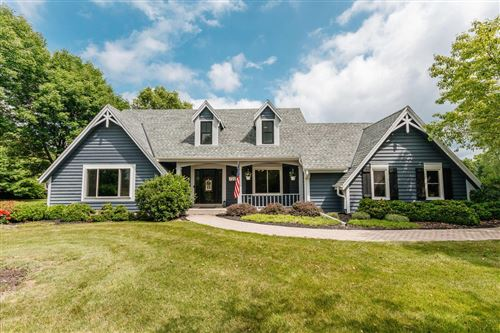 Photo of 721 Woodland Park Dr, Delafield, WI 53018 (MLS # 1752120)