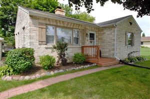Photo of W162S7933 Bay Lane Pl, Muskego, WI 53150 (MLS # 1654121)