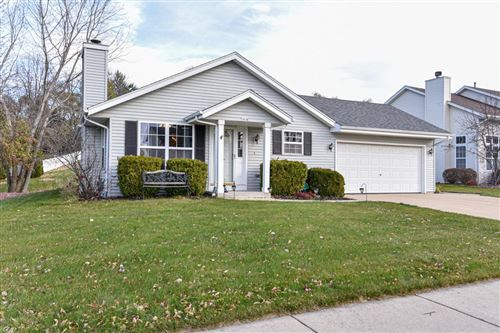 Photo of 2520 E Fenway Dr, Oak Creek, WI 53154 (MLS # 1718121)