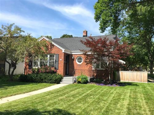 Photo of 130 E Henry Clay St, Whitefish Bay, WI 53217 (MLS # 1683122)