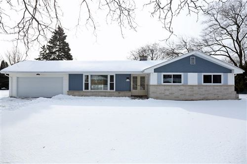 Photo of S65W12659 Byron Rd, Muskego, WI 53150 (MLS # 1674125)
