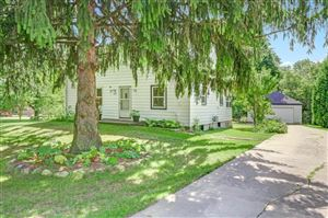 Photo of 5439 S Egofske Rd, New Berlin, WI 53146 (MLS # 1657130)