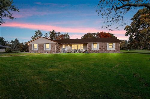 Photo of 10706 Crestview Dr, Cedarburg, WI 53012 (MLS # 1665133)