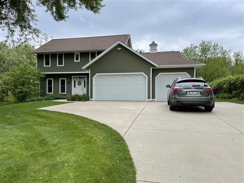 Photo of N7501 Kettle Moraine Dr, Whitewater, WI 53190 (MLS # 1748133)