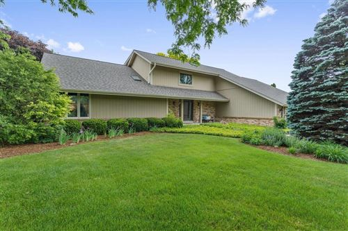 Photo of 6325 Parkview Rd, Greendale, WI 53129 (MLS # 1693135)