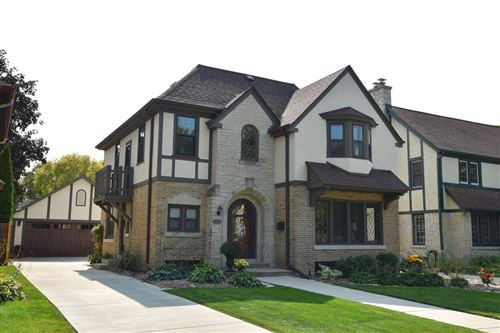 Photo of 8709 Jackson Park Blvd, Wauwatosa, WI 53226 (MLS # 1711135)