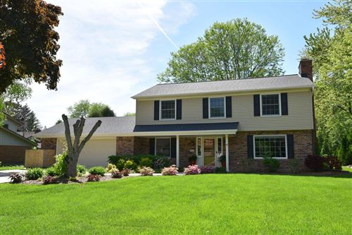 Photo of 611 Alta Loma Dr, Thiensville, WI 53092 (MLS # 1692139)