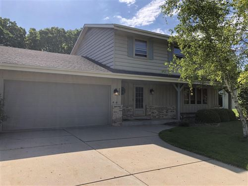 Photo of 8050 S Steepleview Dr, Franklin, WI 53132 (MLS # 1696146)