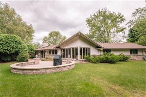Photo of 19270 Timberline Dr, Brookfield, WI 53045 (MLS # 1657152)