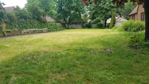 Photo of 4753 N Newhall St, Whitefish Bay, WI 53211 (MLS # 1695153)