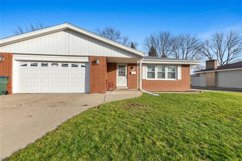 Photo of 6114 Thorncrest Dr, Greendale, WI 53129 (MLS # 1719153)