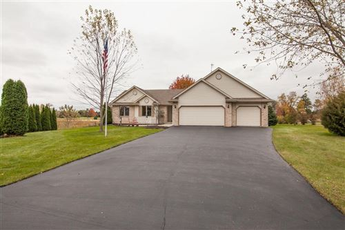 Photo of W4691 Ridgeview RD, Elkhorn, WI 53121 (MLS # 1666155)
