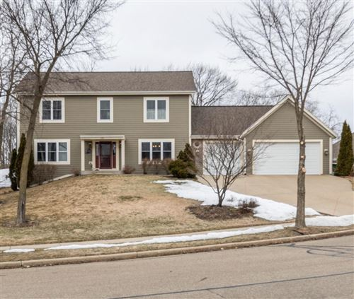 Photo of 130 Upper Woodford Cir, West Bend, WI 53090 (MLS # 1681158)