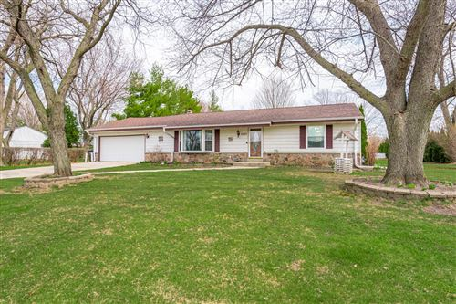 Photo of 8290 S 35th St, Franklin, WI 53132 (MLS # 1733159)