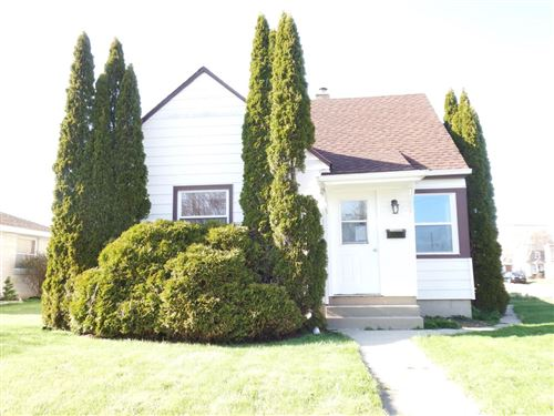 Photo of 700 Marion Ave, South Milwaukee, WI 53172 (MLS # 1694163)