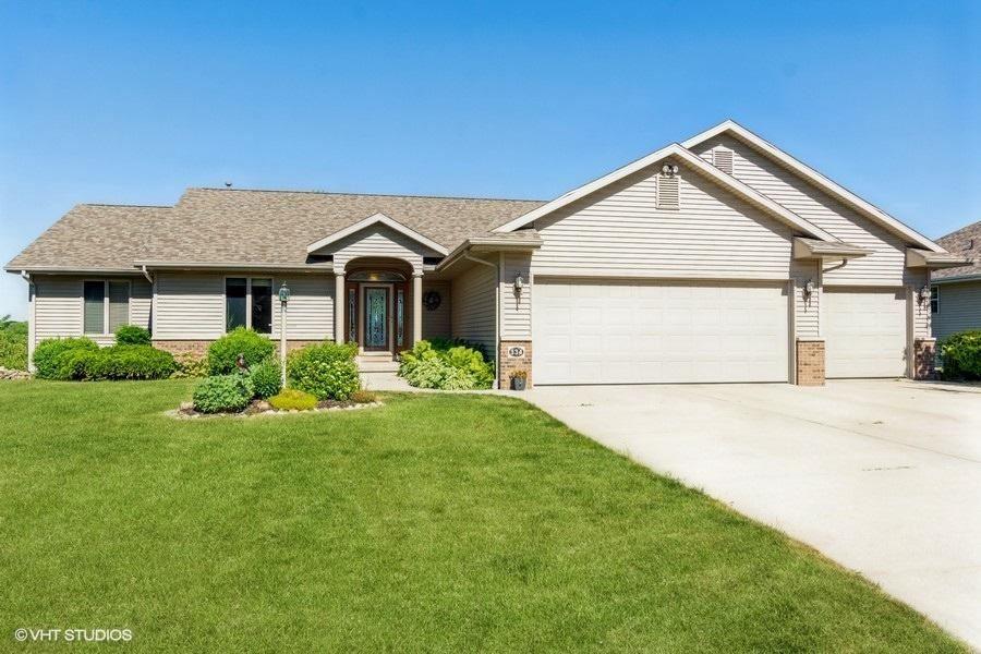 334 Pinecrest Ct, Mayville, WI 53050 - MLS#: 1747164