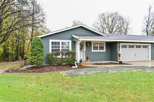 Photo of S80W16995 Dlynn Ct, Muskego, WI 53150 (MLS # 1716165)