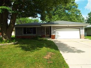 Photo of 5640 S 45th ST, Greenfield, WI 53220 (MLS # 1647166)
