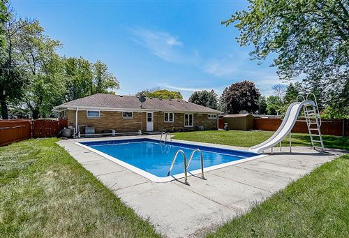 Photo of 3810 W Plainfield Ave, Greenfield, WI 53221 (MLS # 1694166)