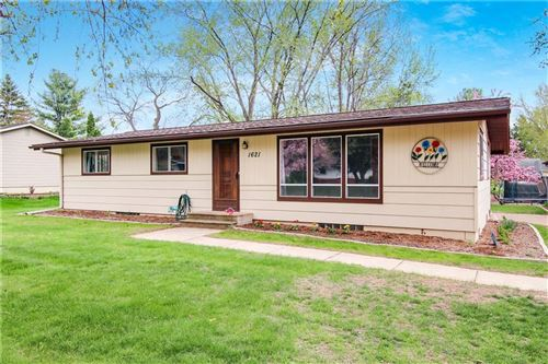 Photo of 337 HOMESTEAD DR, TWIN LAKES, WI 53181 (MLS # 1553167)