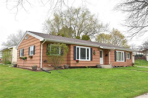 Photo of 1105 N Lakeview Ave, Port Washington, WI 53074 (MLS # 1690171)