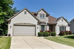 Photo of 8094 S Lakeview Dr, Franklin, WI 53132 (MLS # 1647180)