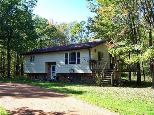 Photo of 8249 ROBIN ROAD, Marshfield, WI 54449 (MLS # 21812182)