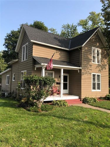 Photo of 923 Whitewater Ave, Fort Atkinson, WI 53538 (MLS # 1708183)