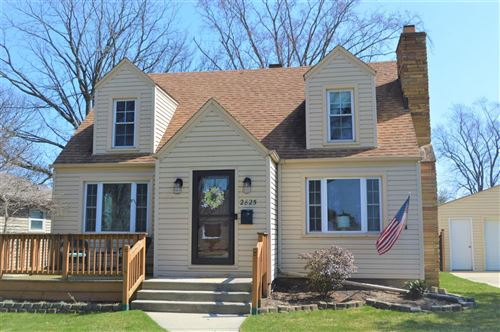 Photo of 2825 West Lawn Ave, Racine, WI 53405 (MLS # 1684185)