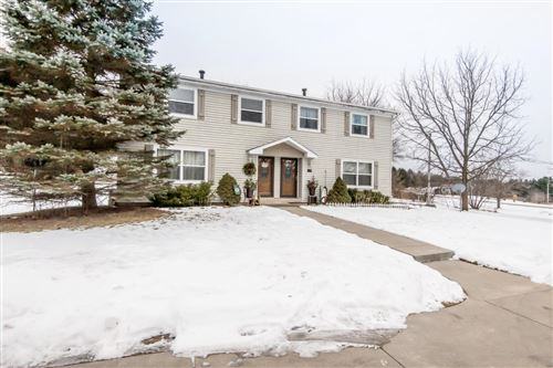 Photo of S83W31363 Section Rd, Mukwonago, WI 53149 (MLS # 1754185)