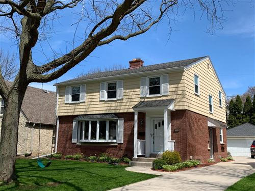 Photo of 6068 N Lydell Ave, Whitefish Bay, WI 53217 (MLS # 1682187)