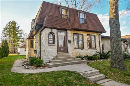 Photo of 3421 S 43rd St, Greenfield, WI 53219 (MLS # 1726187)