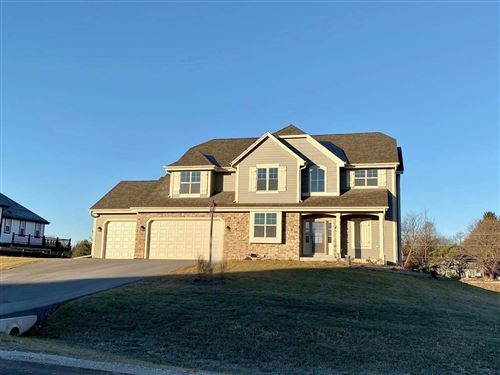 Photo of W224 S4251 Spafford Ln, Waukesha, WI 53189 (MLS # 1729187)
