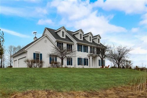 Photo of 1577 Fox Hollow Ln, Cedarburg, WI 53012 (MLS # 1732190)