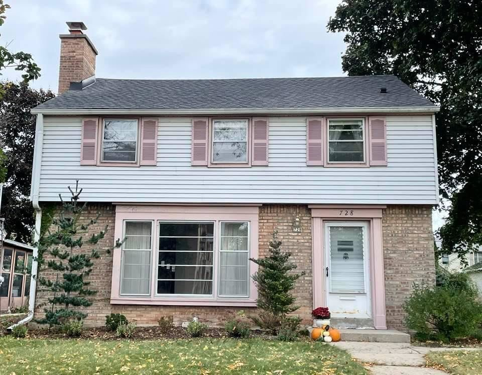 Photo of 728 E Silver Spring Dr, Whitefish Bay, WI 53217 (MLS # 1768190)